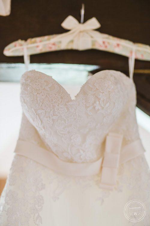 011016-moreves-barn-wedding-photographer-essex-011