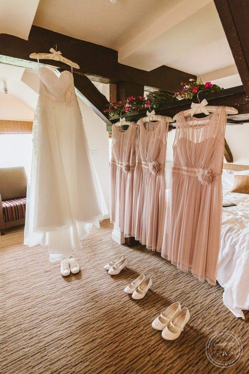011016-moreves-barn-wedding-photographer-essex-015