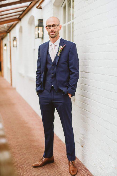 011016-moreves-barn-wedding-photographer-essex-019