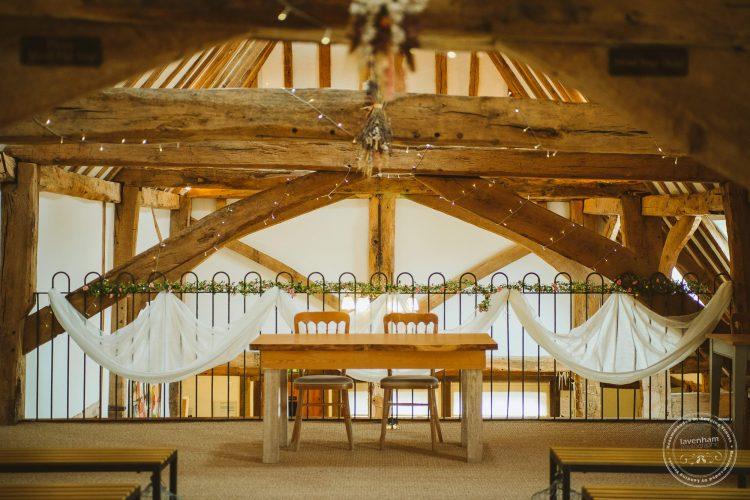 011016-moreves-barn-wedding-photographer-essex-032