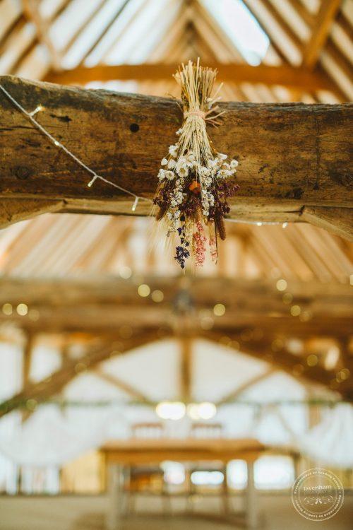011016-moreves-barn-wedding-photographer-essex-033