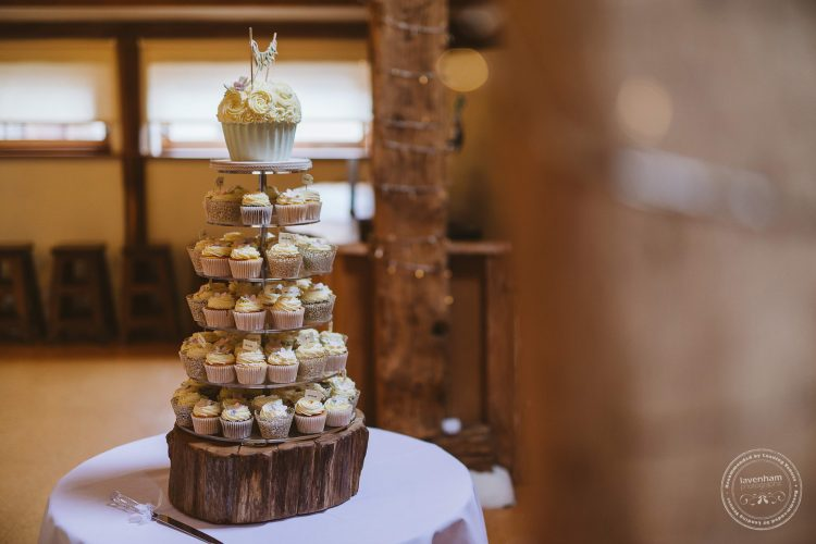 011016-moreves-barn-wedding-photographer-essex-035