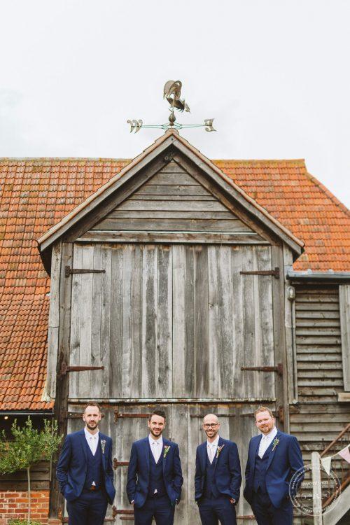 011016-moreves-barn-wedding-photographer-essex-040