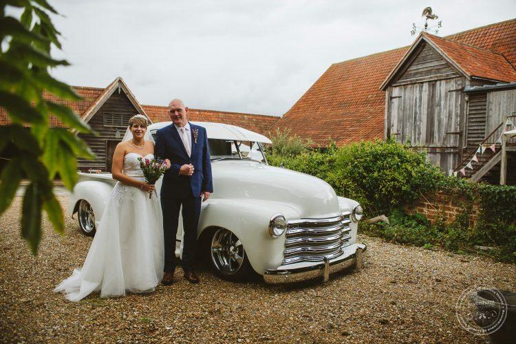 011016-moreves-barn-wedding-photographer-essex-057