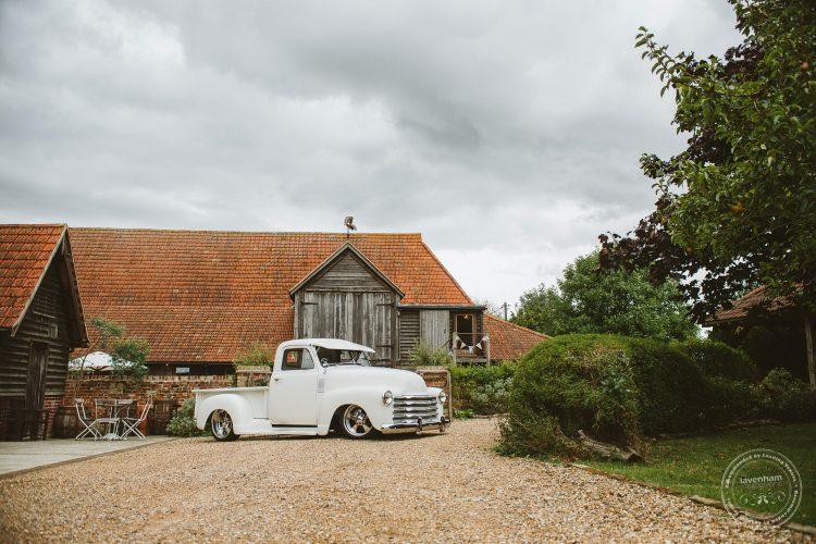 011016-moreves-barn-wedding-photographer-essex-067