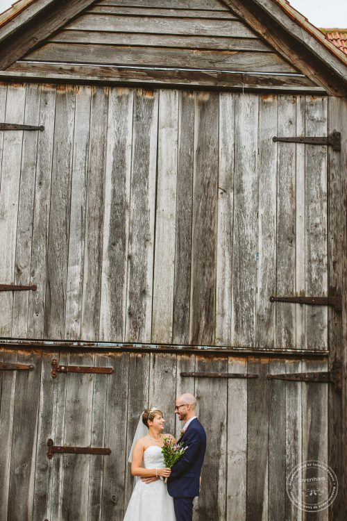 011016-moreves-barn-wedding-photographer-essex-092