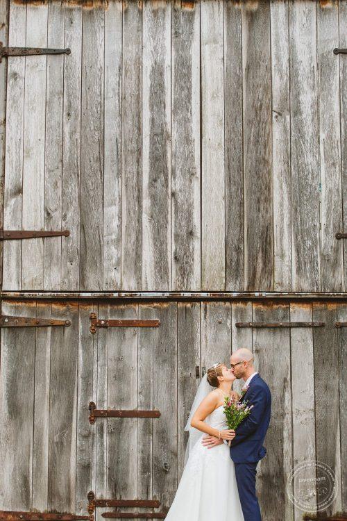 011016-moreves-barn-wedding-photographer-essex-093