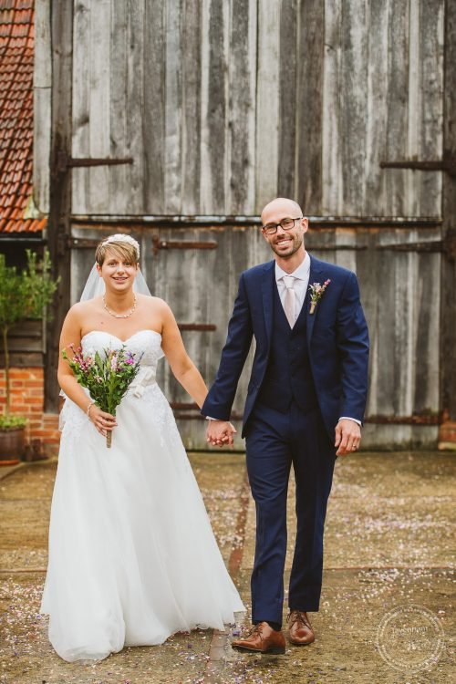 011016-moreves-barn-wedding-photographer-essex-095