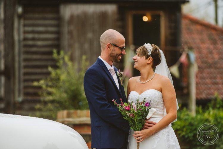 011016-moreves-barn-wedding-photographer-essex-096