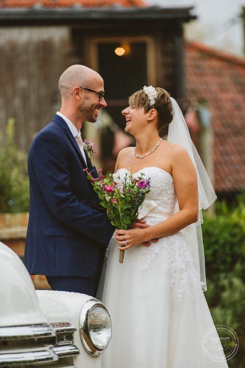 011016-moreves-barn-wedding-photographer-essex-098