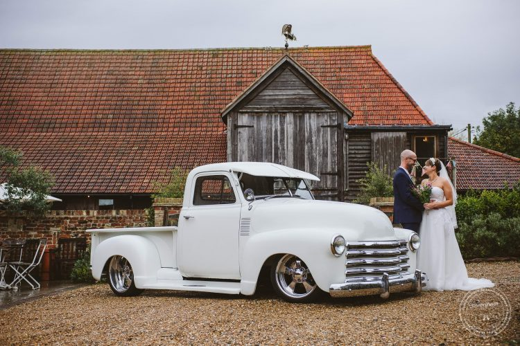 011016-moreves-barn-wedding-photographer-essex-099