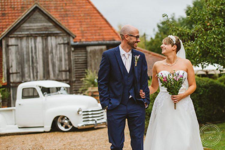 011016-moreves-barn-wedding-photographer-essex-104