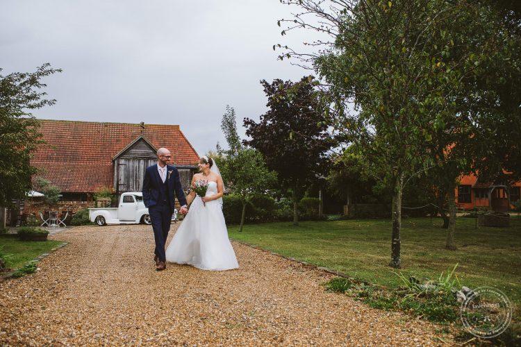011016-moreves-barn-wedding-photographer-essex-105