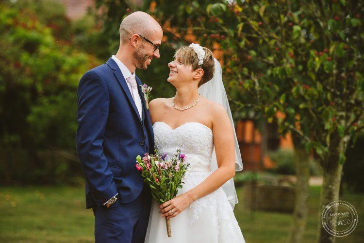 011016-moreves-barn-wedding-photographer-essex-106