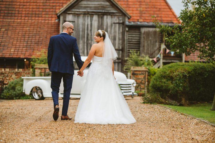 011016-moreves-barn-wedding-photographer-essex-107