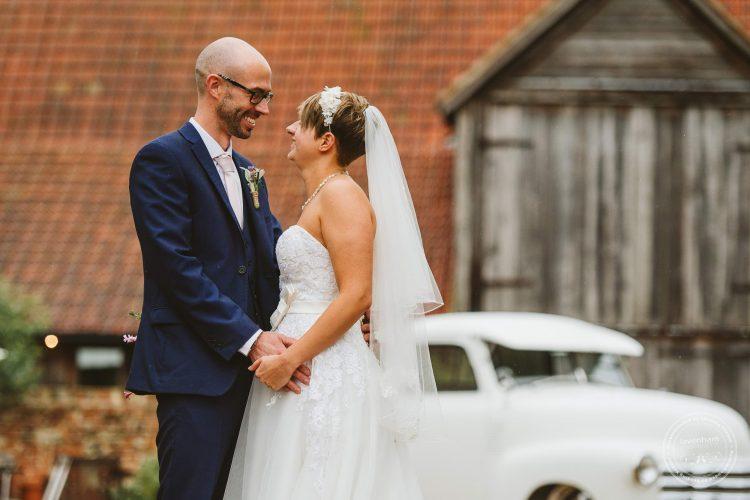 011016-moreves-barn-wedding-photographer-essex-111