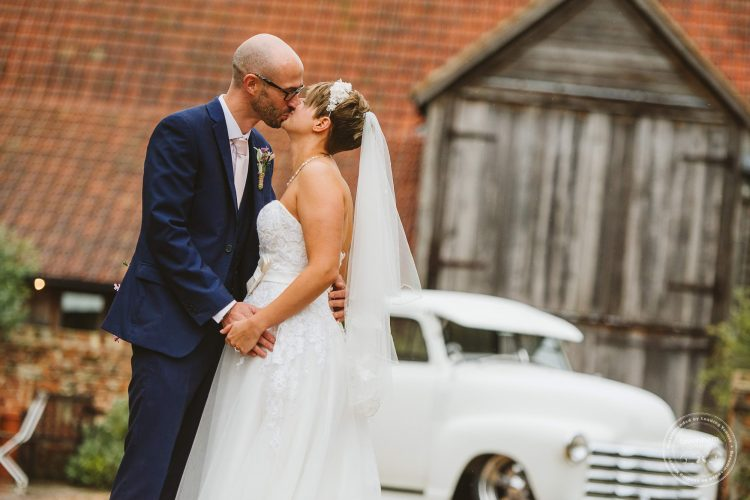 011016-moreves-barn-wedding-photographer-essex-113