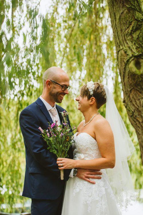 011016-moreves-barn-wedding-photographer-essex-126