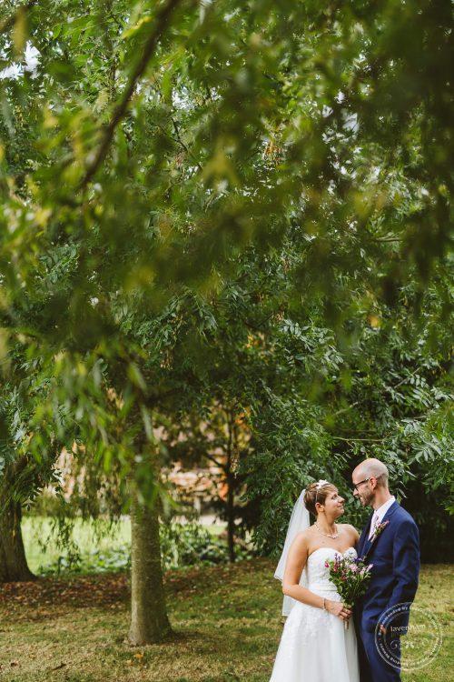 011016-moreves-barn-wedding-photographer-essex-128