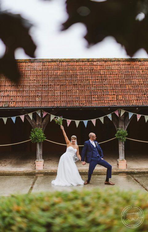 011016-moreves-barn-wedding-photographer-essex-130