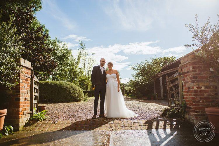 011016-moreves-barn-wedding-photographer-essex-146