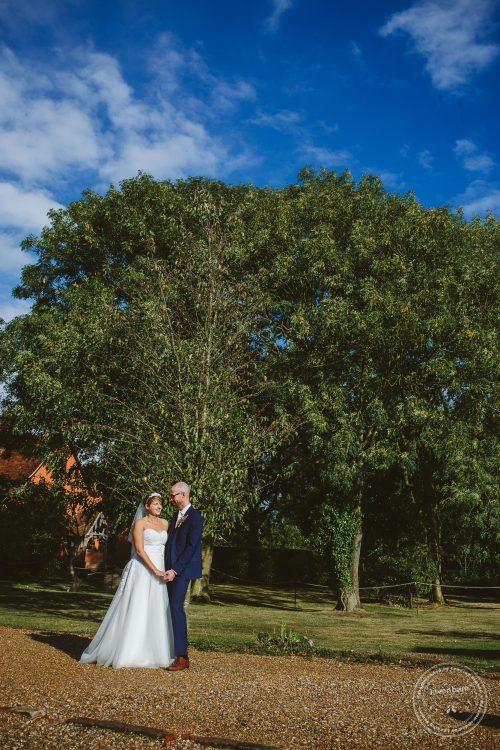 011016-moreves-barn-wedding-photographer-essex-157