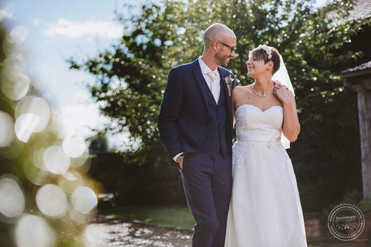 011016-moreves-barn-wedding-photographer-essex-159