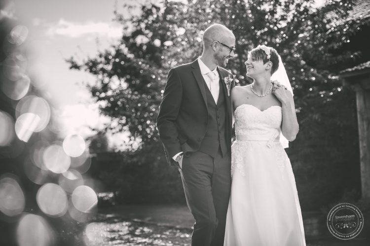 011016-moreves-barn-wedding-photographer-essex-160
