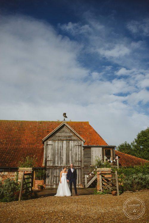 011016-moreves-barn-wedding-photographer-essex-162
