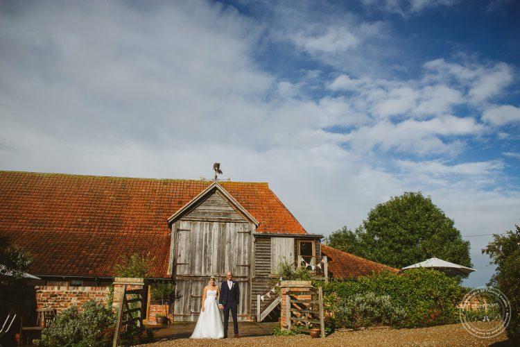 011016-moreves-barn-wedding-photographer-essex-163