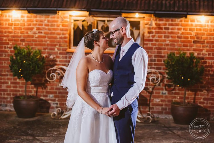 011016-moreves-barn-wedding-photographer-essex-170