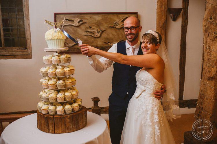 011016-moreves-barn-wedding-photographer-essex-173