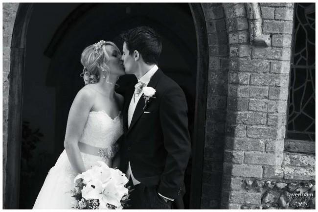 020814 Smeetham Hall Wedding Photographer Lavenham 21