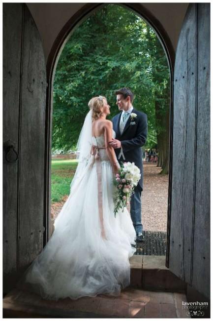 020814 Smeetham Hall Wedding Photographer Lavenham 23