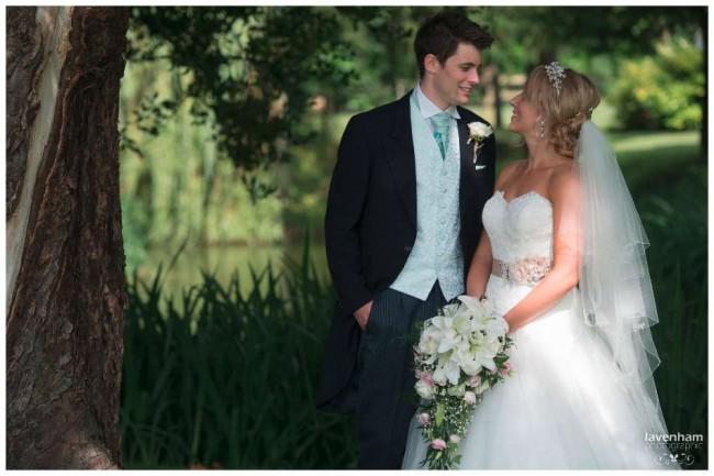 020814 Smeetham Hall Wedding Photographer Lavenham 36