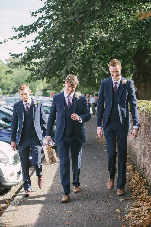 240916-dedham-le-talbooth-wedding-photographer-essex-015