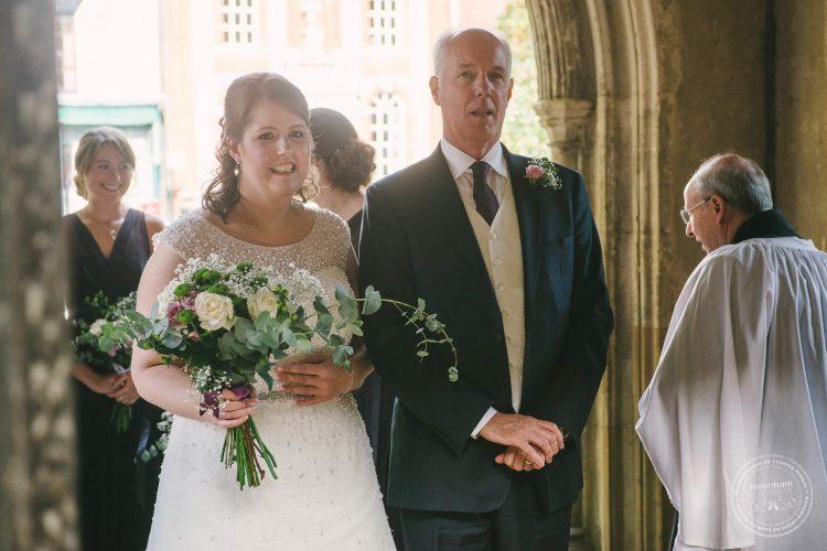240916-dedham-le-talbooth-wedding-photographer-essex-030