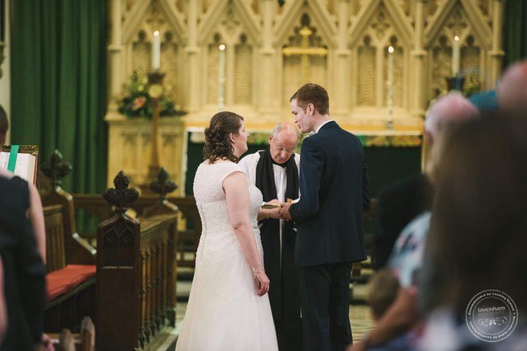 240916-dedham-le-talbooth-wedding-photographer-essex-032