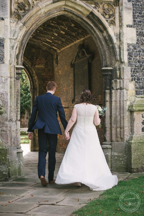 240916-dedham-le-talbooth-wedding-photographer-essex-042