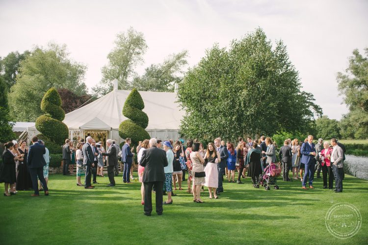 240916-dedham-le-talbooth-wedding-photographer-essex-071