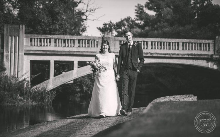 240916-dedham-le-talbooth-wedding-photographer-essex-083