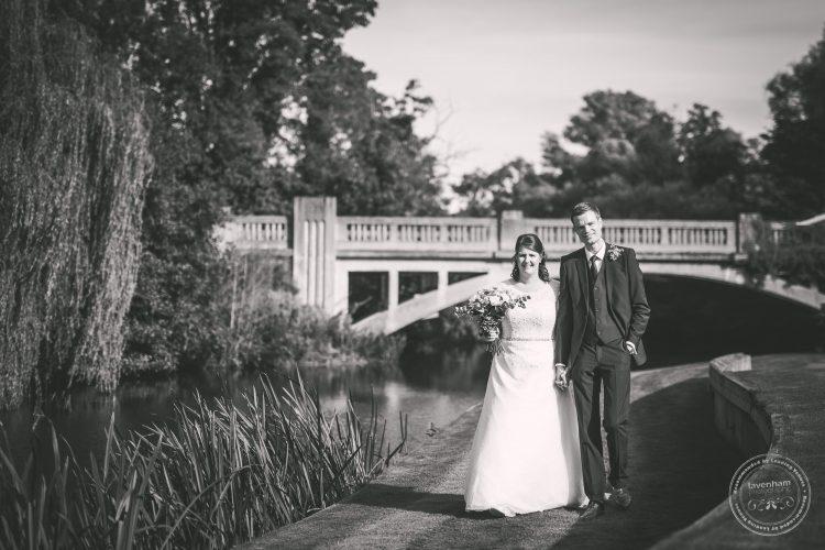 240916-dedham-le-talbooth-wedding-photographer-essex-086