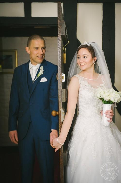 301015 Leez Priory Wedding Photographer 020