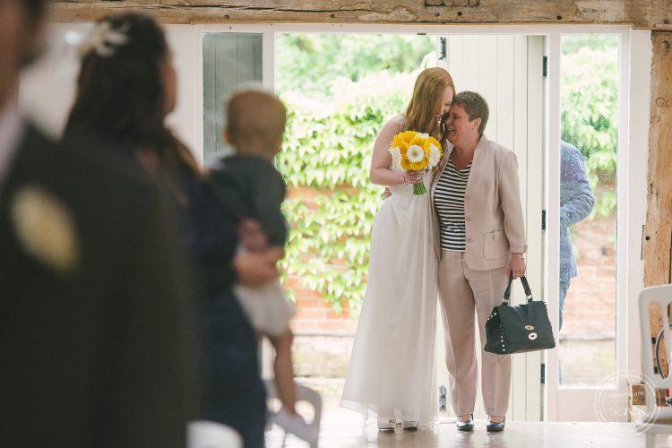 310516 Dove Barn Wedding Photographer Suffolk 014