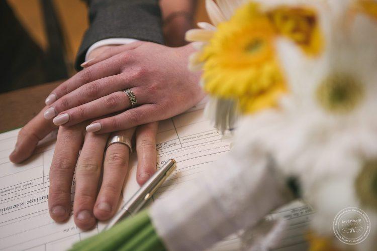 310516 Dove Barn Wedding Photographer Suffolk 024