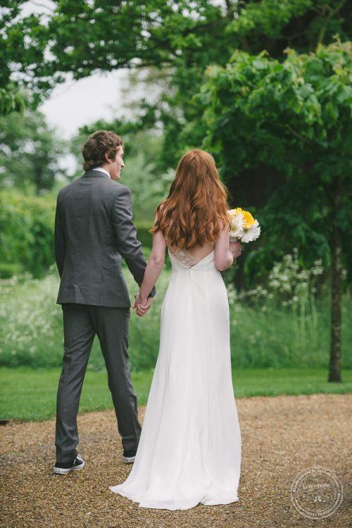 310516 Dove Barn Wedding Photographer Suffolk 040