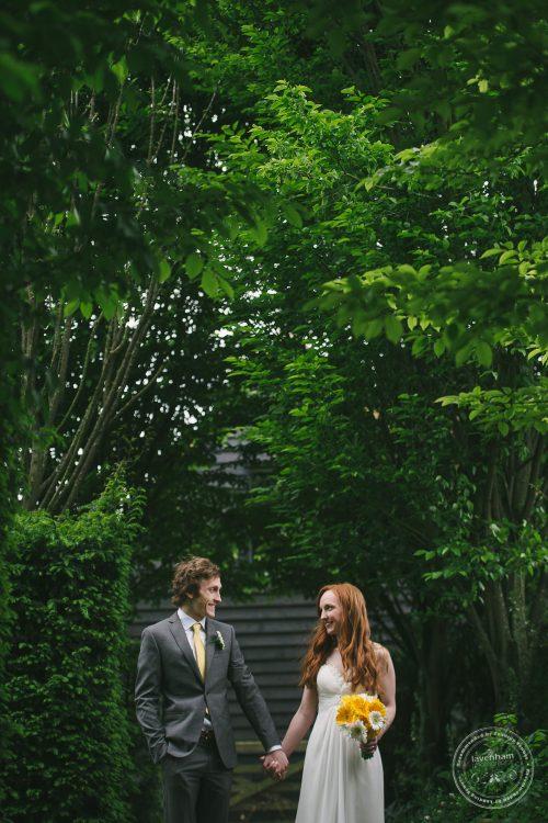 310516 Dove Barn Wedding Photographer Suffolk 043