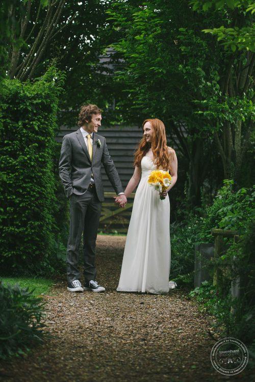 310516 Dove Barn Wedding Photographer Suffolk 044