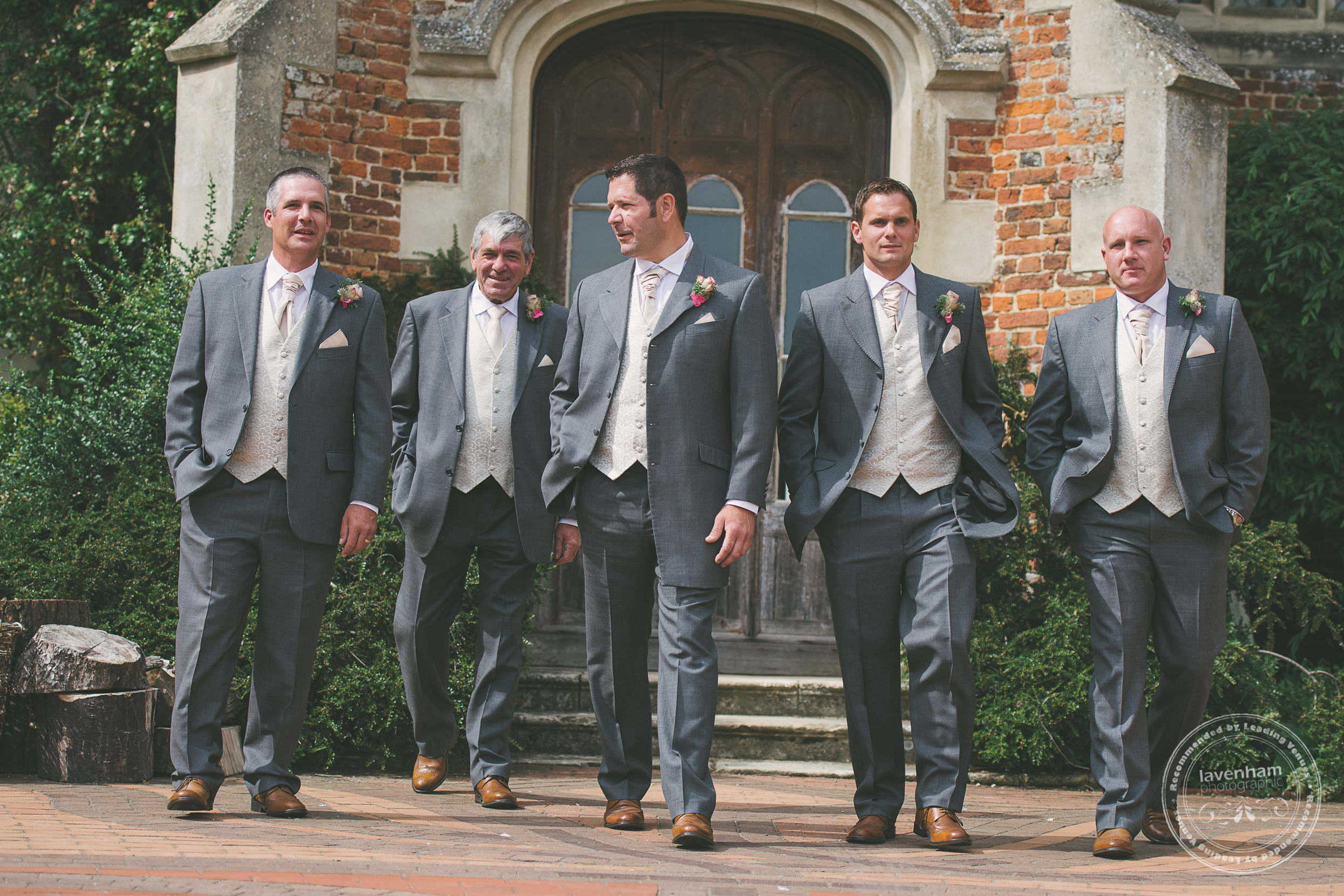 180715-kentwell-hall-wedding-photographer-011