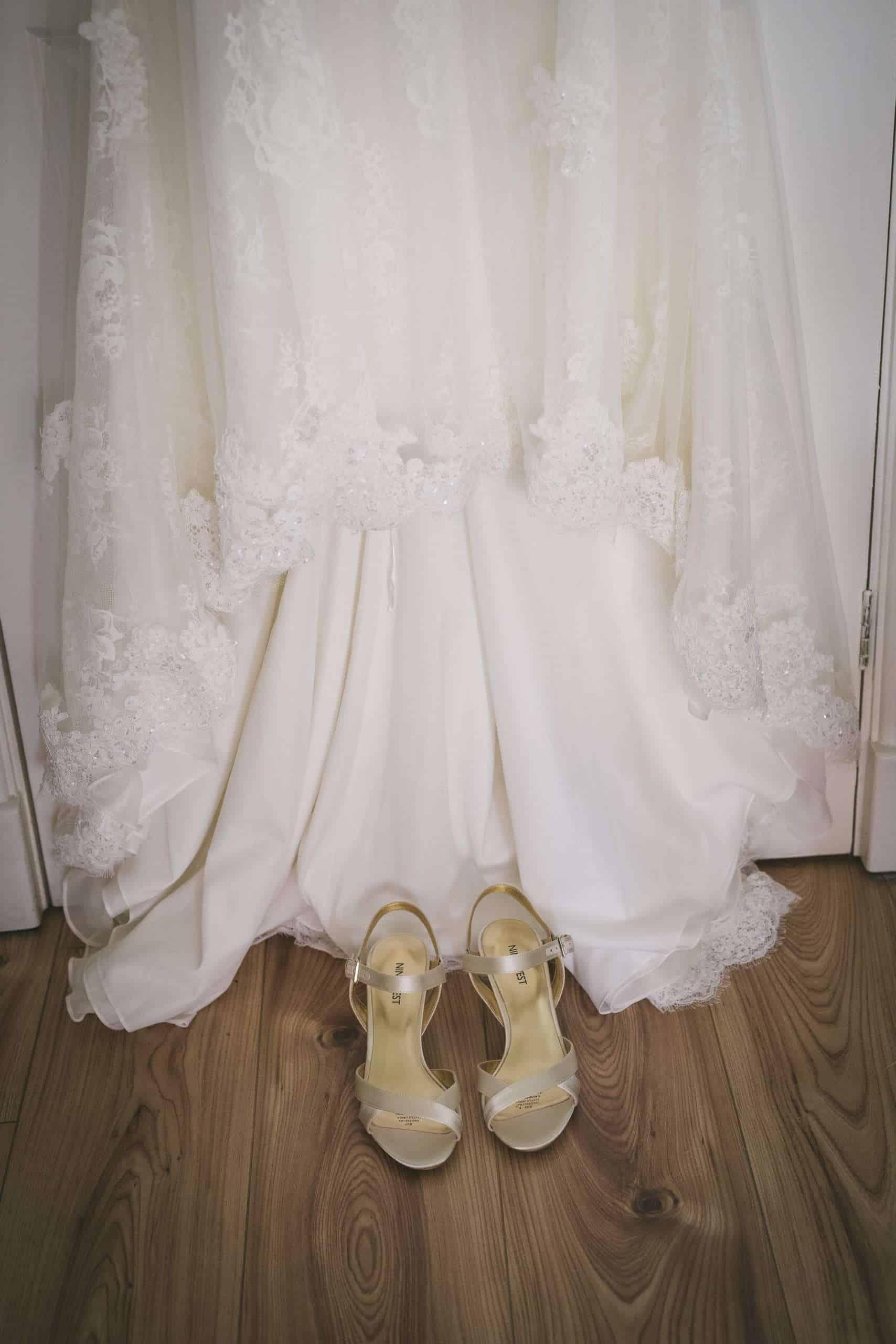 230416 Essex Wedding Photography Baddow Gallerywood 002
